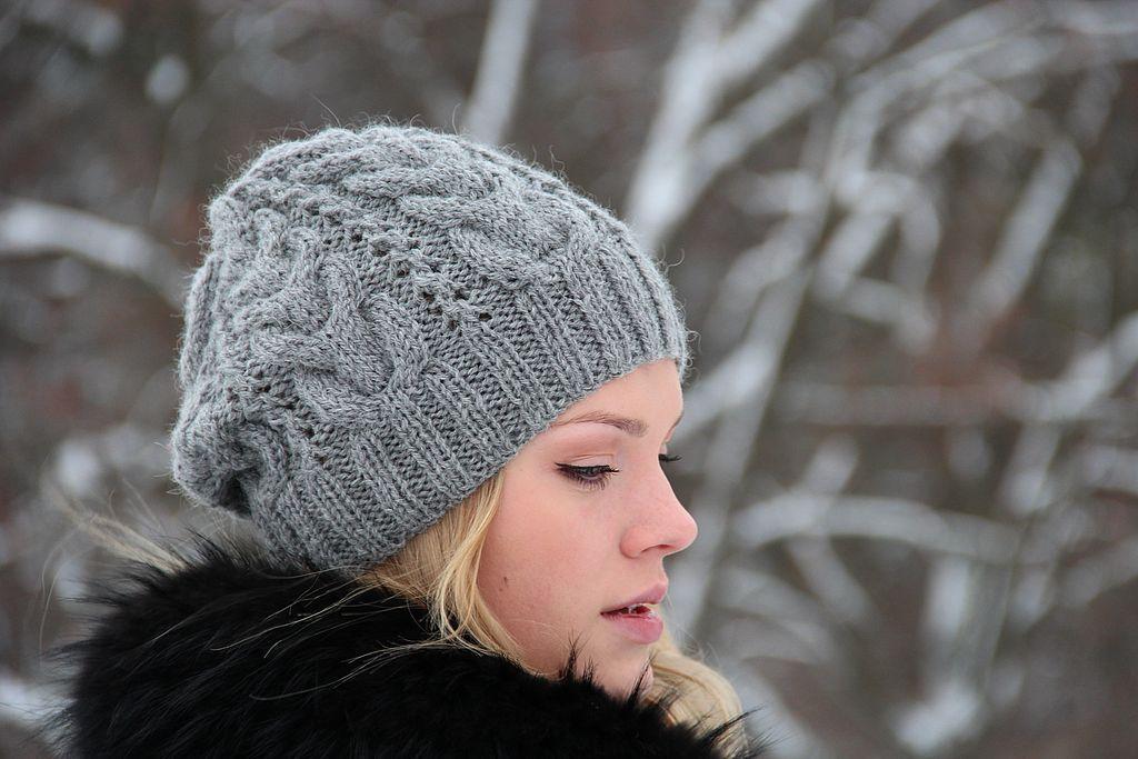 4b6aba9d147c ... zobrať pohodlný a teplý pletený klobúk. V tejto sezóne návrhári nie sú  ošumení a predstavili niekoľko zaujímavých modelov týchto módnych žien  klobúkov
