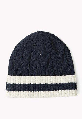 V oblastiach s krutým podnebným účinkom je kožušinový klobúk s ušným uškom  len možnosťou f1ac5ed86cb