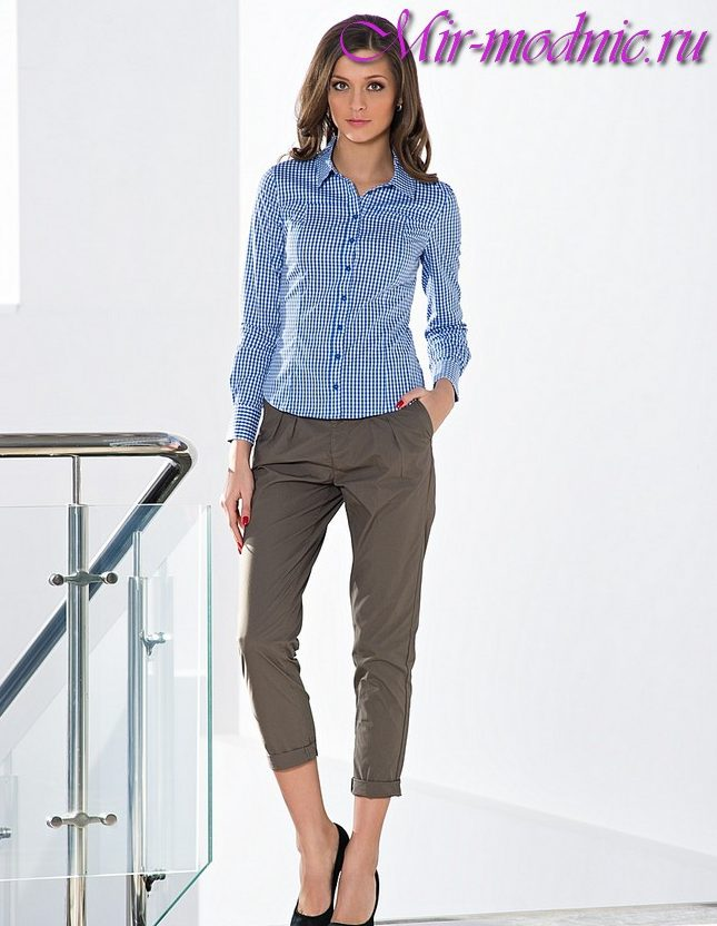 4f29e45ec61e Čo sa má nosiť so širokými krátkymi nohavicami v lete. Skrátené ...