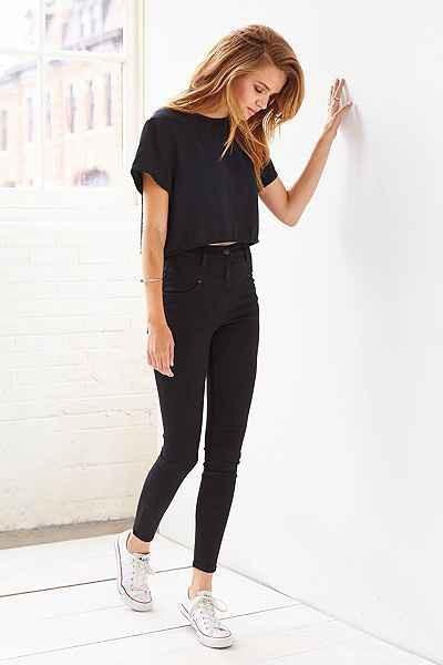 f78e27d1dbe Скрываем объём. Однако чёрные джинсы женские с завышенной талией ...