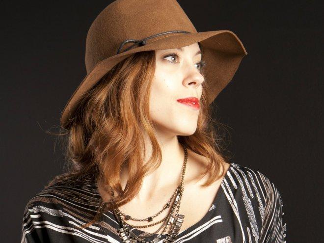 Cappello lavorato a maglia per un viso ovale. Come scegliere una pelliccia e  visone c159cd506706